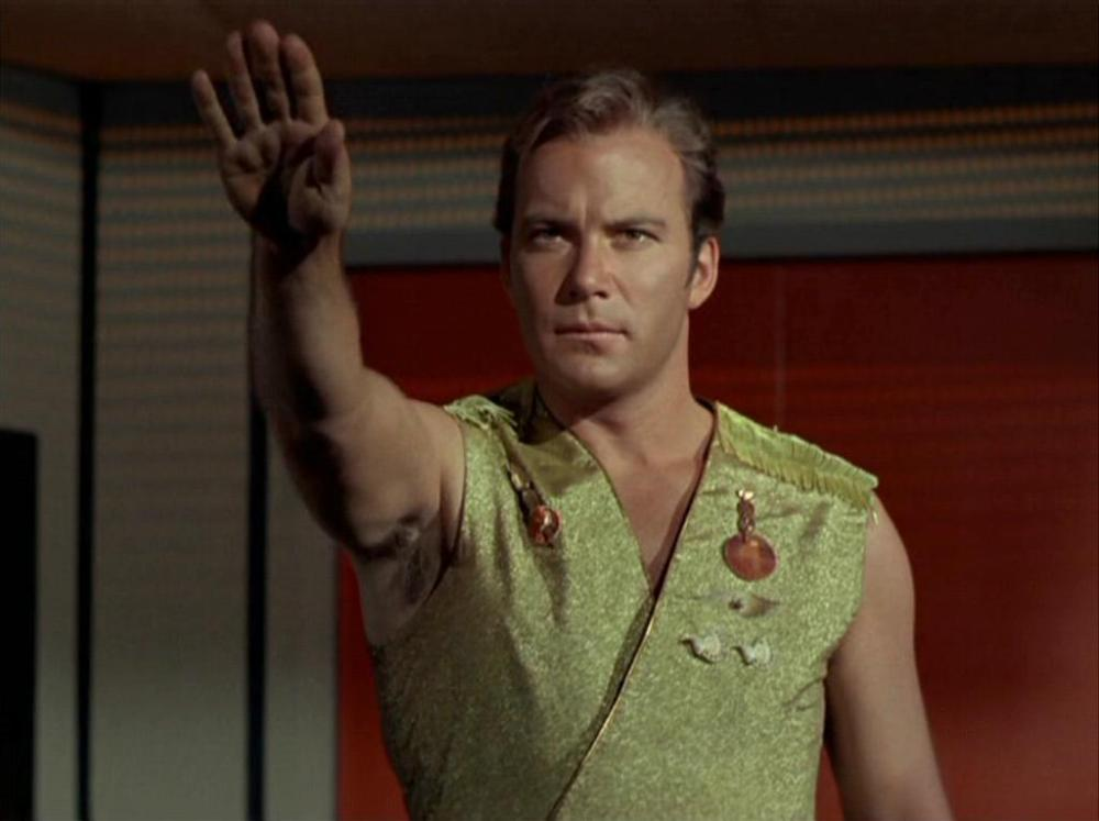 Kirk_salutes_to_his_crew